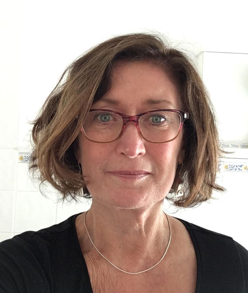 Nikki-Frater---Art-Historian,-Painter,-Lecturer